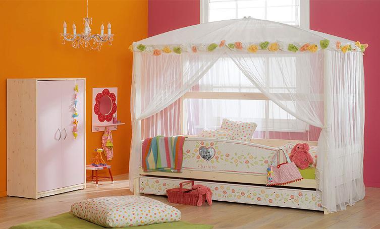 Para las más románticas, la cama de las rosas.