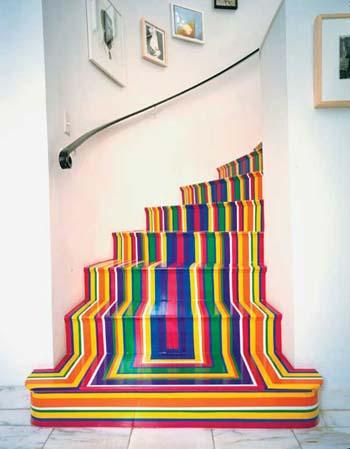 en las paredes de alrededor todas ideas aceptables pero ya muy usadas es por eso que si buscas innovar con tu escalera qu te parece esta propuesta