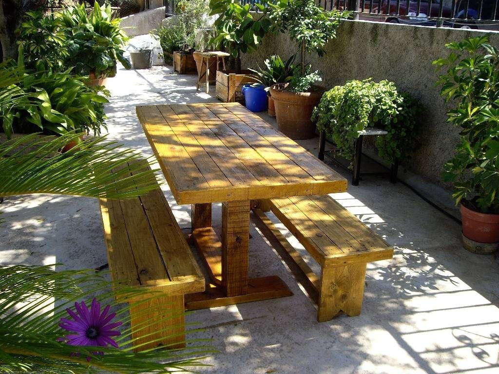 Decora un ambiente exterior con pallets deco vanguardia for Deco en palet de madera
