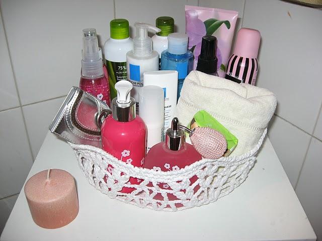 Decoracion De Baño En Crochet:parece una manera práctica y delicada de poner el orden el baño y de