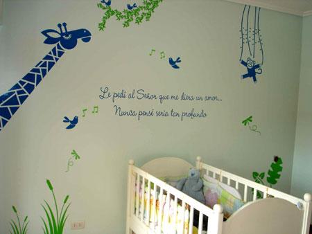 Decora el cuarto del beb con vinilos deco vanguardia for Habitacion bebe con vinilos