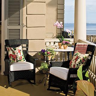 Balcones para disfrutar deco vanguardia for Sillones para balcon