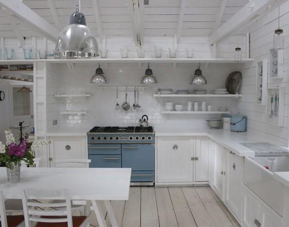 Una cocina r stica y blanca deco vanguardia - Cocinas de material rusticas ...