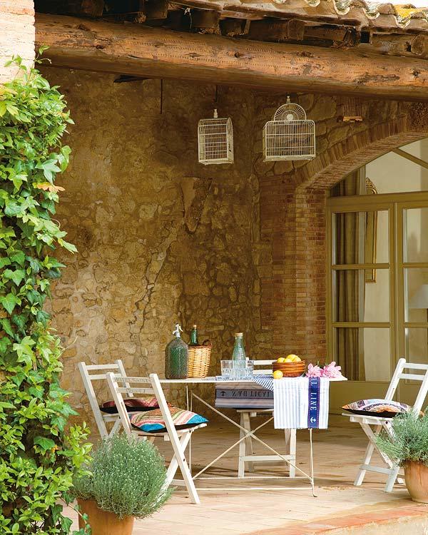 Mesas para disfrutar del aire libre deco vanguardia for Terrazas aire libre