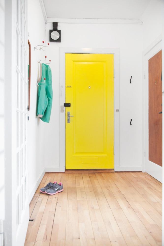 foto-recibidor-amarillo